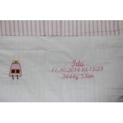 Lyserød baby sengetøj med navn på